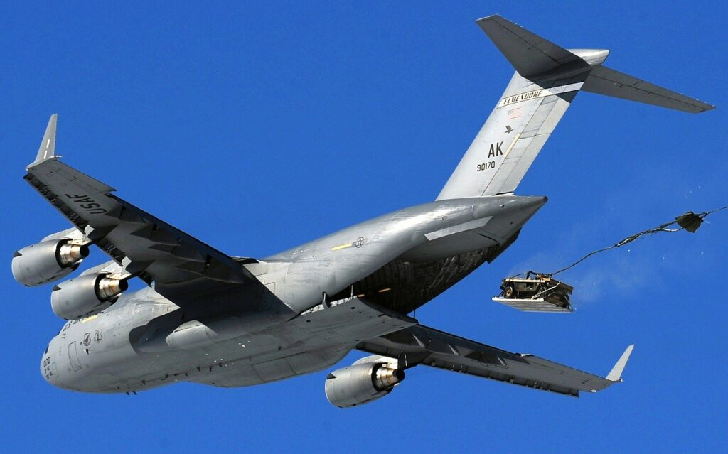 cargo jet, c-17, airdrop